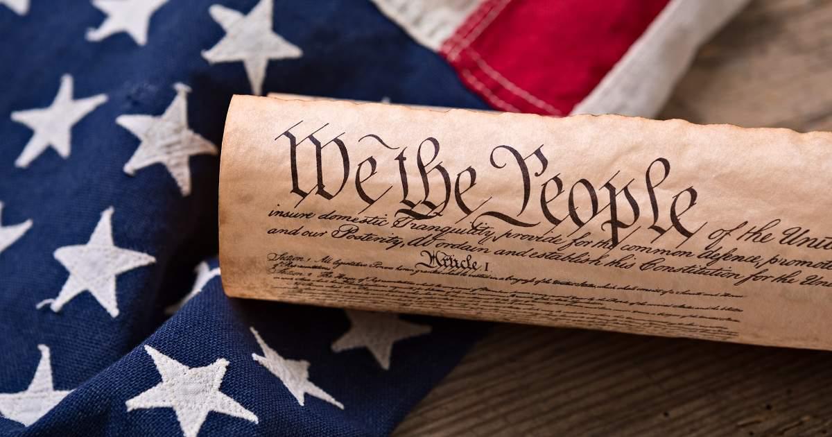 US Constitution & US Flag